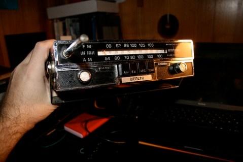"Ipod ""dock"" from 50s radio"