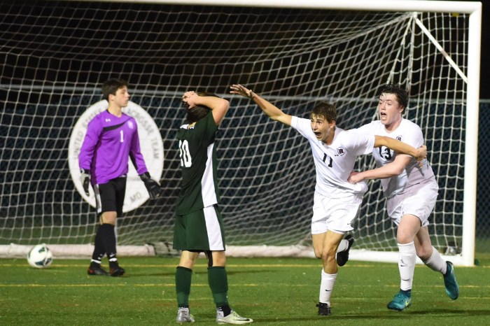 Peter's OT goal sends Radnor to title game