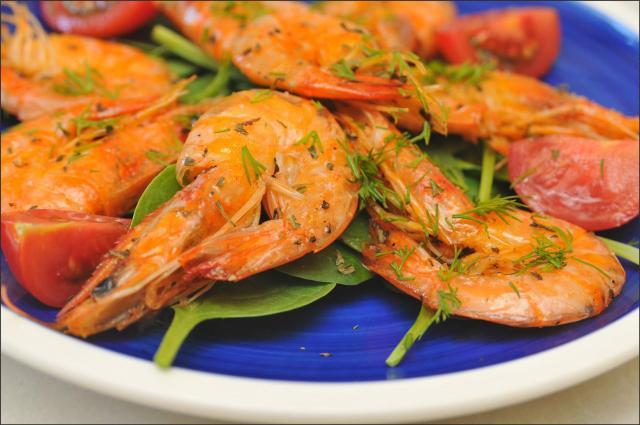 γαρίδες με ούζο και εστργκόν