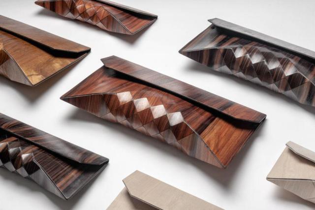 lurury-wood-clutch
