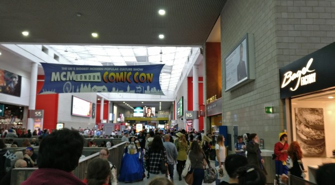 The main concourse and the crowds within