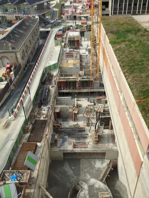 Le chantier d'Est en Ouest vu du 8° étage de l'immeuble voisin ;-)