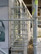 Gardes corps vitrés équipés de tubes