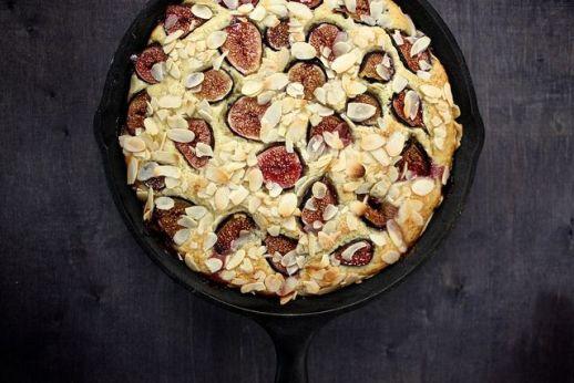 fig almond breakfast cake