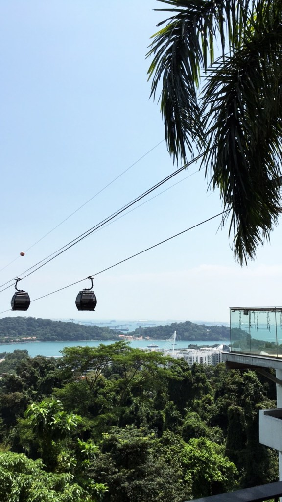 Sentosa cable car to Mount Faber