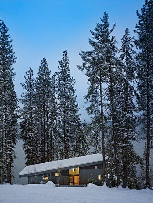 Дом из бруса в снегу