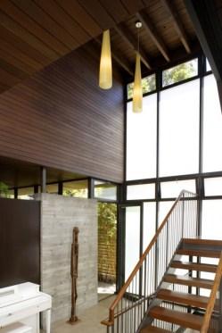 Деревянная внутренняя отделка дома