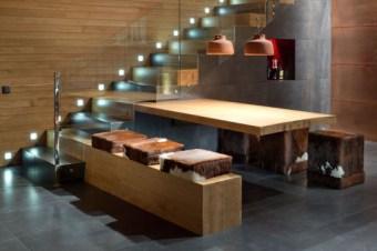 Лестница с подсветкой и стеклом. Дизайн