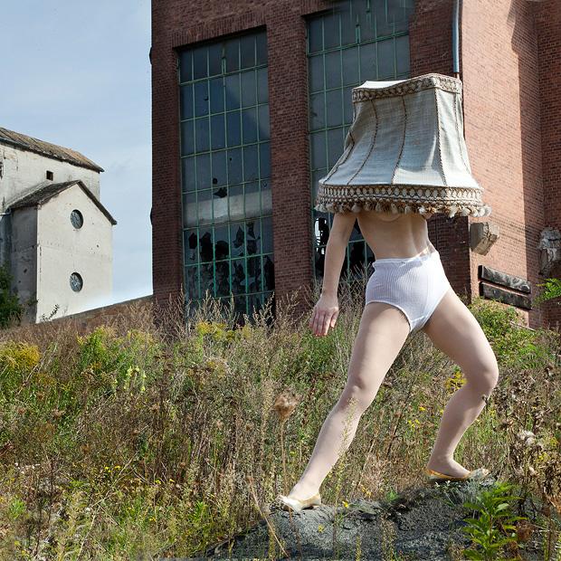 "Catrine Val: ""Julia, 29, 08, 12 // 44""  |  © Catrine Val/Kehrer Verlag"