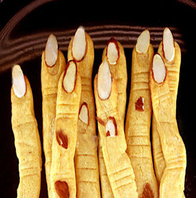 Crispy Cheddar Cracker Witch's Fingers