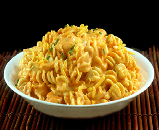Extremely Creamy Stovetop Sriracha Macaroni and Cheese