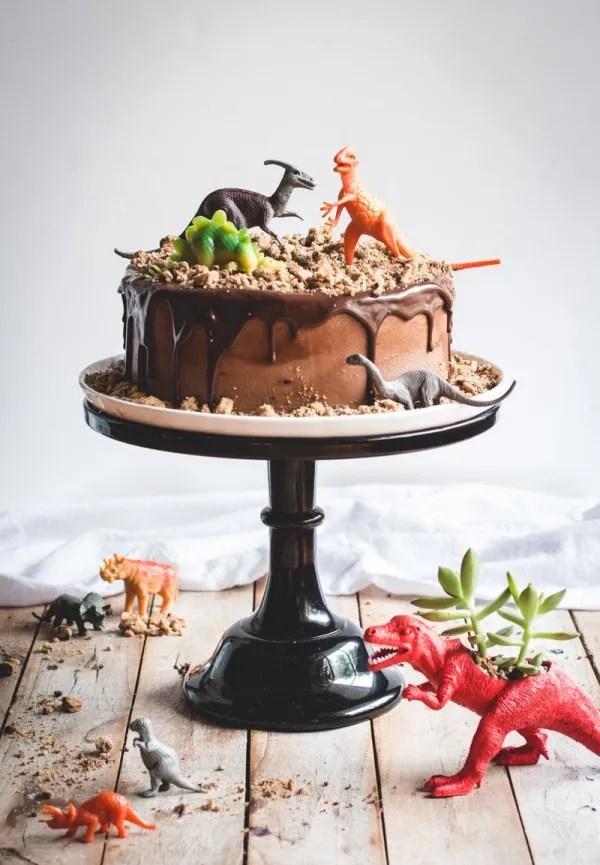Dinosaur-Chocolate-Cake-8-3