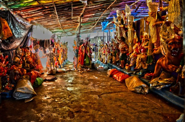 Durga Puja 2015. I'm sure there must always be a few idols no one comes to pick up... so a moment of silence for the lonely and the unwanted. Not that the ones queued up in this pic are the ones who are left out. Not yet.