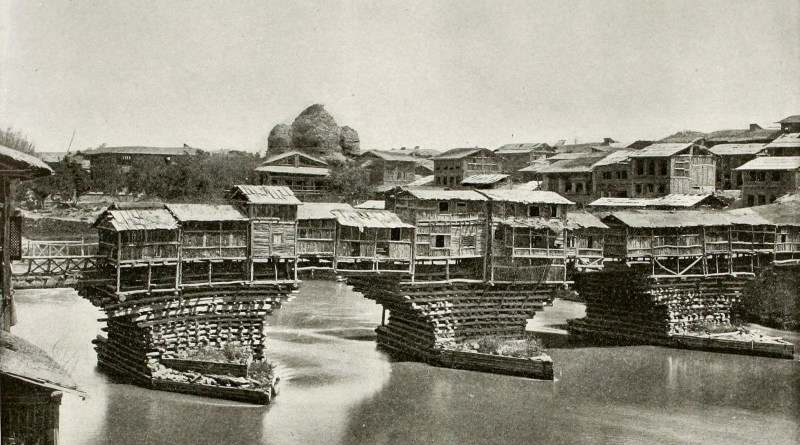 bridge-of-shops-srinagar-india