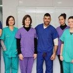 Equipo médico de Clínica Veterinaria El Pinar en la Cañada