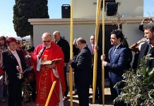 Imagen de la bendición de palmas y ramos en El Calvario