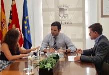 Instante de la firma del convenio entre el Ayuntamiento y el Parque Tecnológico