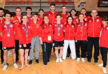 Integrantes del equipo del Club karate Paterna