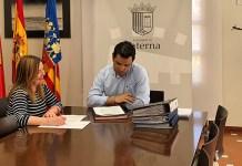 Sagredo junto a la concejala Eva Pérez