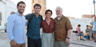 Sagredo junto a Almodóvar, Penelope Cruz y Raúl Arévalo