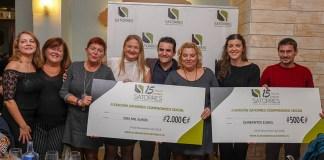 El Dr. Satorres junto a los galardonados de la edición de 2018