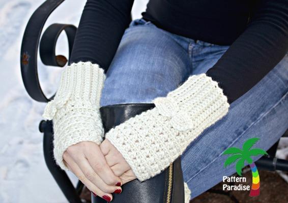 XST Modeled Ivory Gloves logo