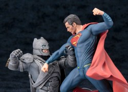 Kotobukiya ARTFX+ Batman V Superman Dawn Of Justice main