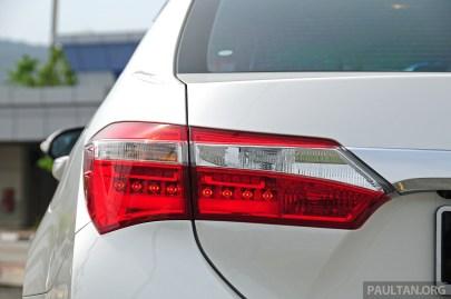 2014_Toyota_Corolla_Altis_Driven_ 152