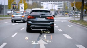 2016-bmw-hud-technology-video- 001