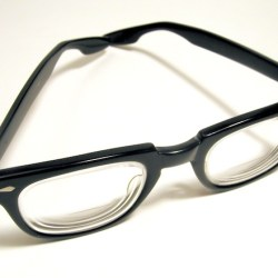 geeky glasses for IT workers and social media experts