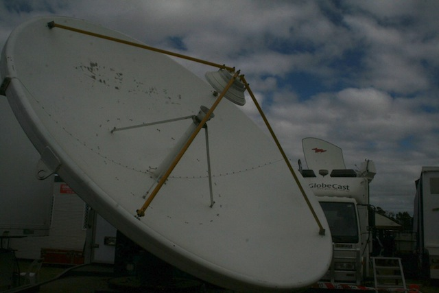 v8-supercars-launceston-communications-satellite