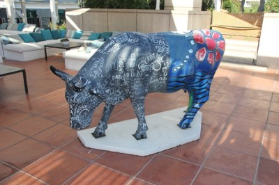 Bull-in-the-cafe-hotel-arts-barcelona
