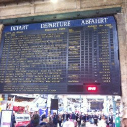 paris-gare-du-nord-departure-board
