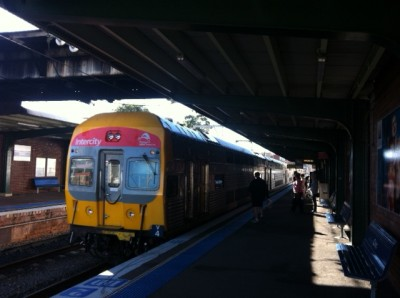 slow-train-newcastle-sydney-shitkansen