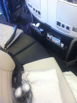 Air New Zealand Premium Economy bench arrangement