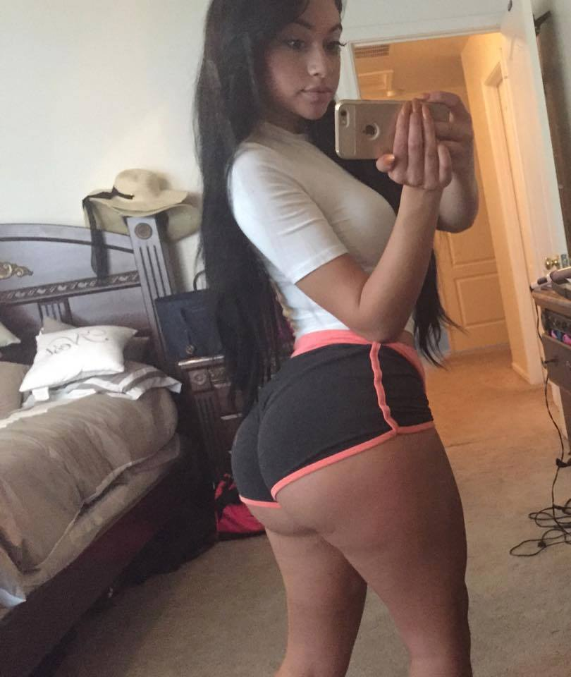 thick panty selfies