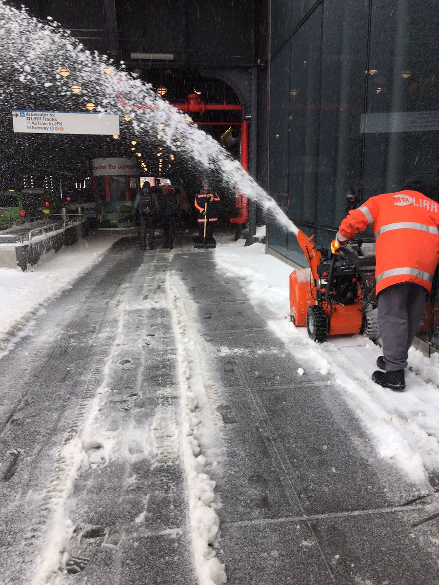 Great Our Lirr On Arc One Snow Courtesy Our Hundreds Ofsnowblowers Being Used To Keep Paths Clean One Our Lirr On Arc Safe Snow Courtesy houzz-02 Used Snow Blowers