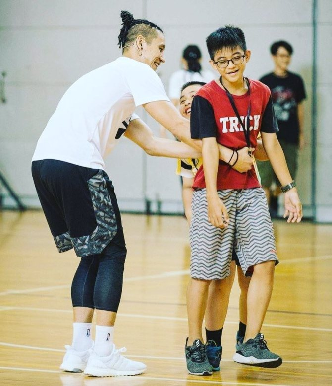 @JLin7 (IG):These days I spend way more time being thankful for my fans than worried abt my haters! #lifelessons #controlthemind