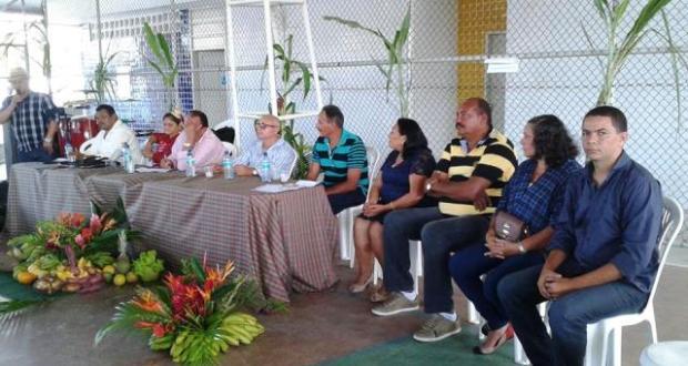 Vereador Ezequiel Firmino acompanhou a posse de Valdirene ao lado do vice-prefeito Marcão