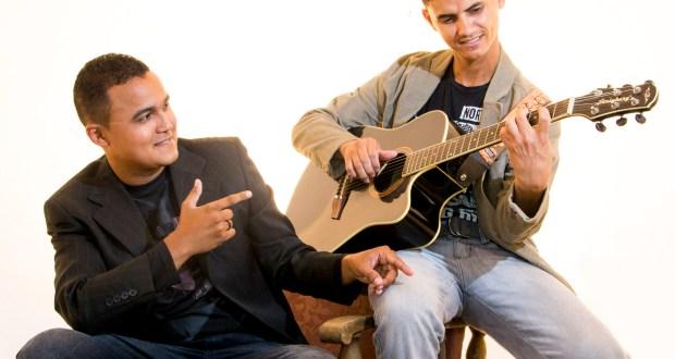 Dupla é formada pelos amigos de infância, Eduardo e Judson. Eles se apresentam no próximo sábado (1º/08), na Loja Maçônica Comendador Artur Lundgren, em Rio Tinto (PB).
