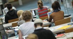 size_810_16_9_estudantes-alunos-jovens-universidade