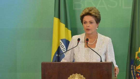 A presidenta Dilma Rousseff anuncia mudanças em seu ministério, durante declaração à imprensa no Palácio do Planalto Antonio Cruz/ Agência Brasil