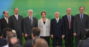 Dilma Rousseff e  Michel Temer, entre alguns dos minisros empossados hoje Valter Campanato/Agência Brasil
