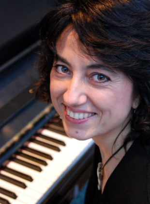 Lorenda Ramou - Pianist (2)