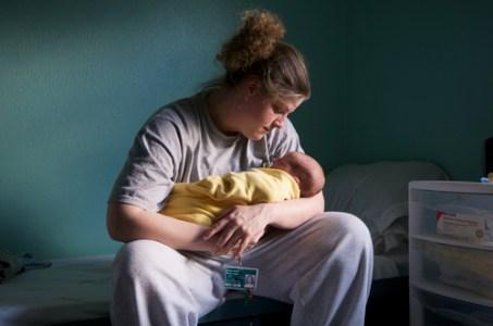 Mandi and Gabriel (3 days old), 2008 Inkjet Print © Cheryl Hanna-Truscott