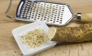 Olha como a raiz forte (horseradish, em inglês) é clarinha