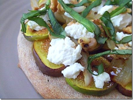 Fig Basil and Goats Cheese Pizza (8)