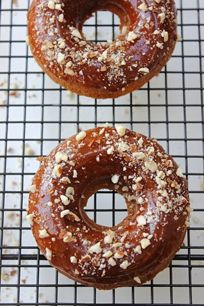 Paleo Almond Vanilla Maple Donuts (24)