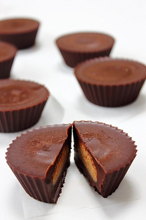 Raw Chocolate Nut Butter Cups (46)