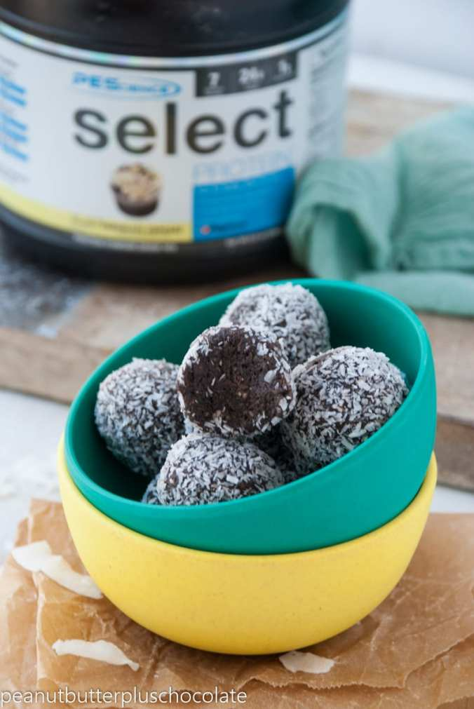 Coconut Brownie Energy Bites10